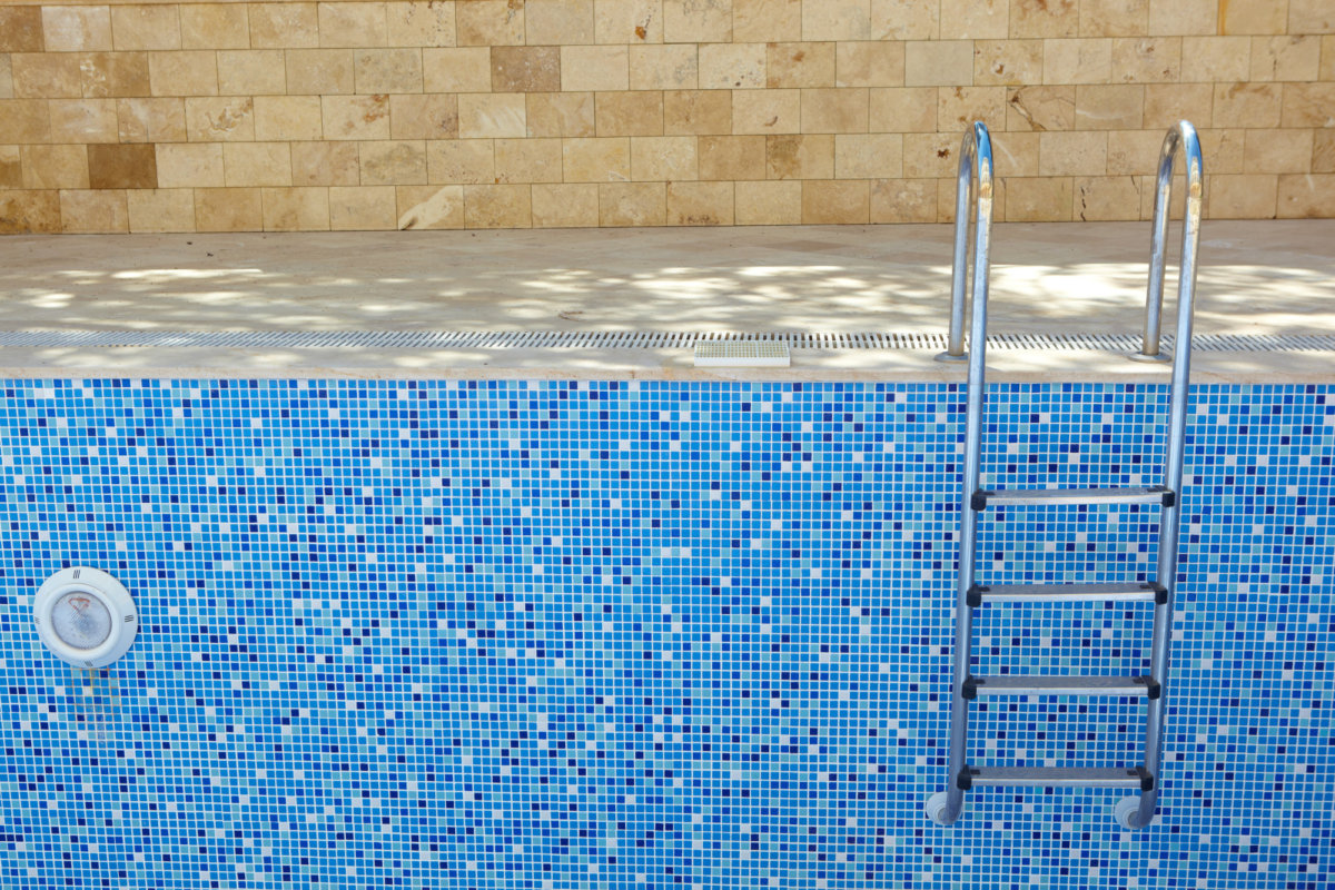 how-to-tell-if-your-pool-is-leaking-1200x800.jpeg