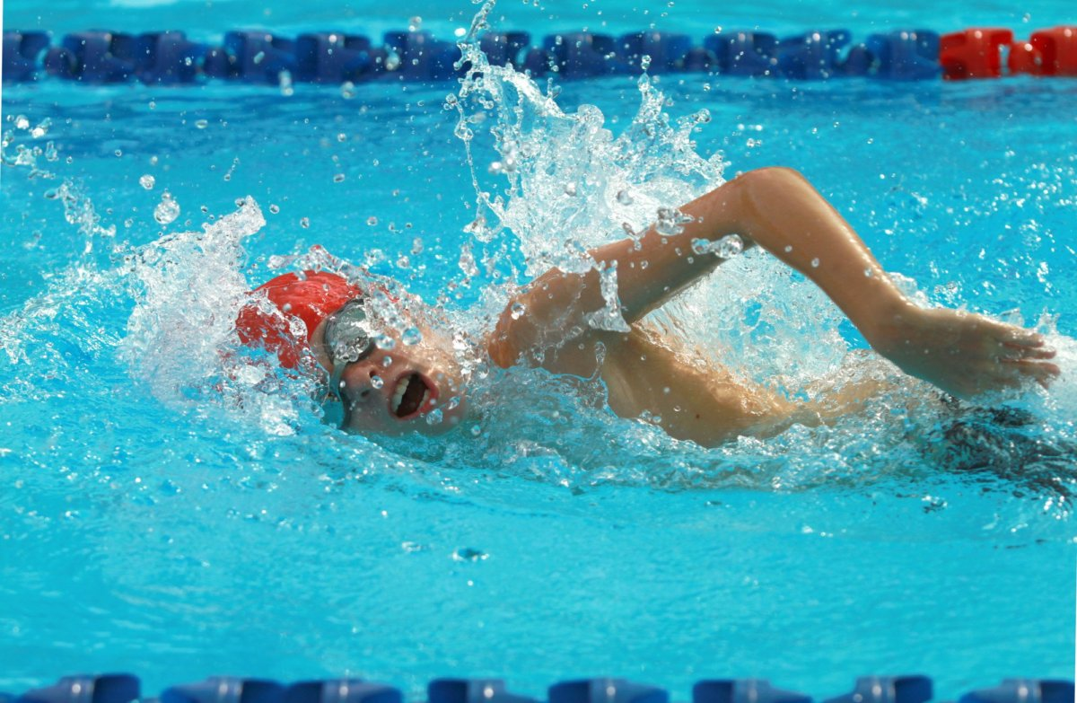 swimming-for-weight-loss-1200x783.jpeg